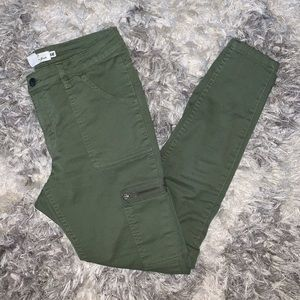 H&M green ankle crop jeans!